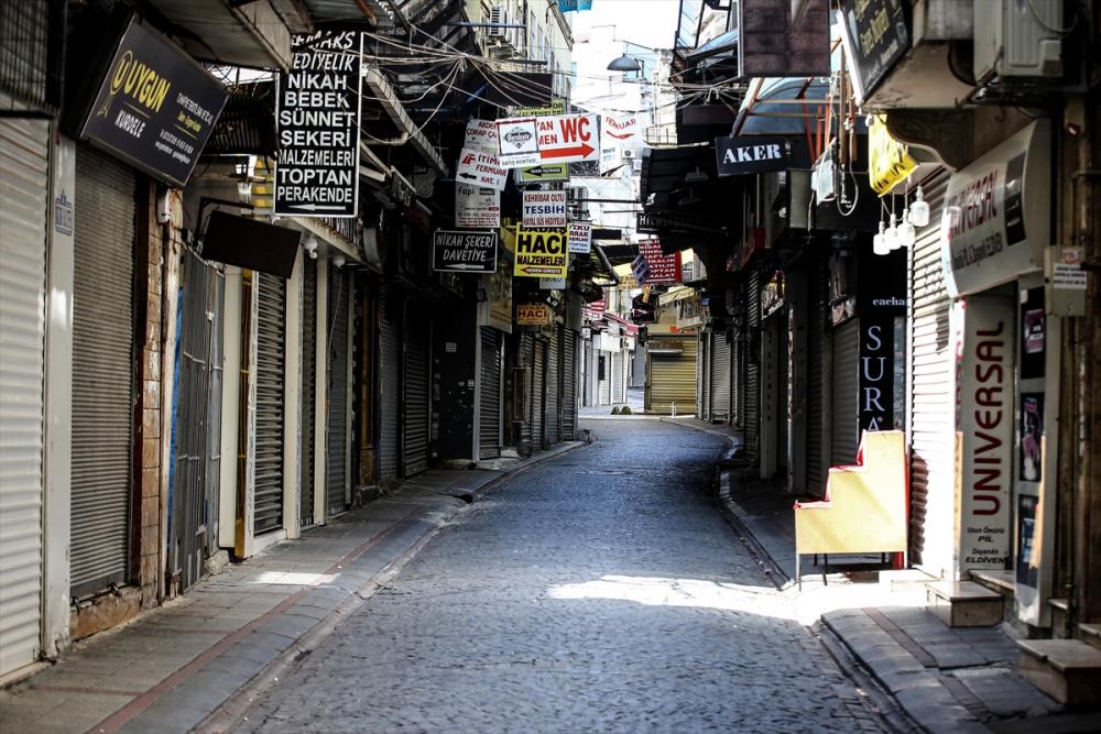 Sokağa çıkma kısıtlamasında İstanbul sessizliğe büründü 11