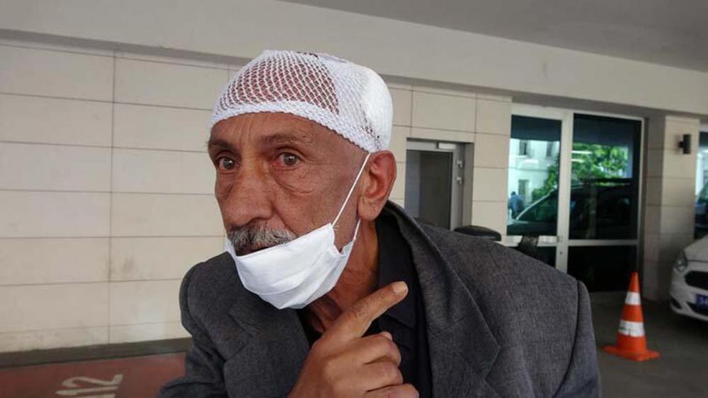 Beyoğlu'nda engelli adamı darp eden 2 kişi, çevredekilerden tekme tokat dayak yedi 6