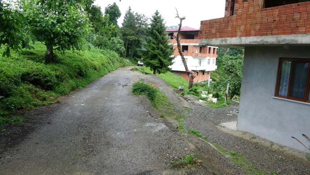 Trabzon'da 3 köpeğin saldırısına uğrayan kadının kolu kesildi! 5