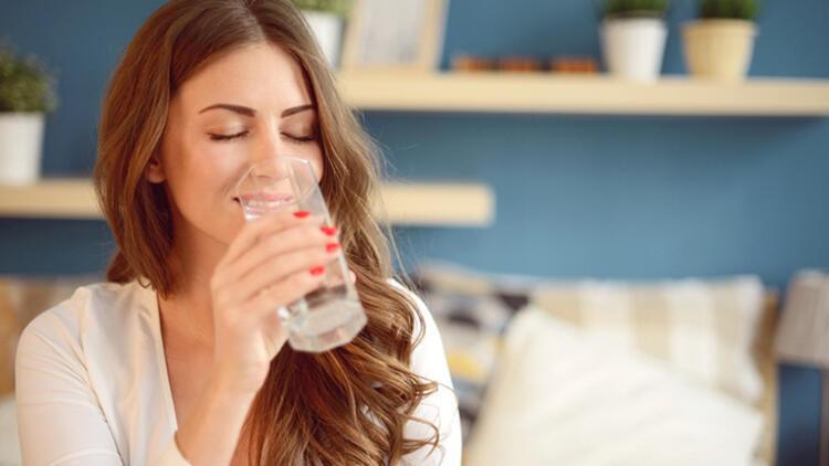 Vücudunuzu temizleyecek bu suyu yanınızdan ayırmayın! İşte tarifi... 10