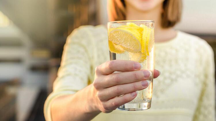 Vücudunuzu temizleyecek bu suyu yanınızdan ayırmayın! İşte tarifi... 2
