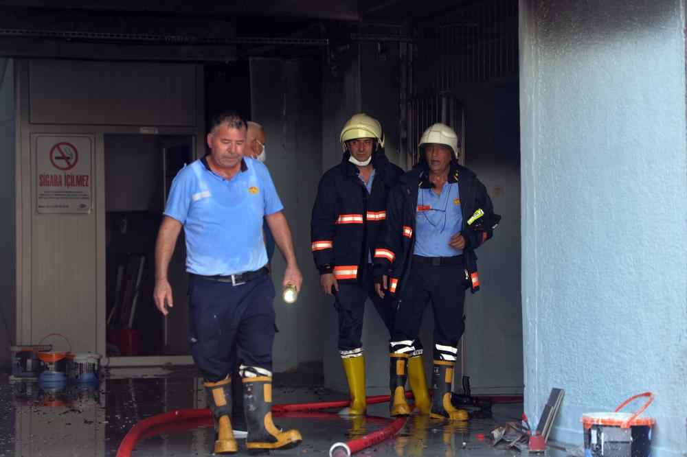 Mersin'de lisede şiddetli patlama: 2 öğretmen yaralandı 6