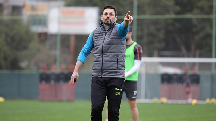 Usta spor yorumcusu Rıdvan Dilmen, Fenerbahçe'nin yeni teknik direktörünü açıkladı 15
