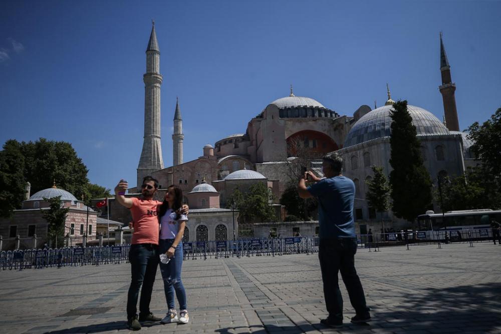 Ayasofya'ya ibadet yolu açıldı! Vatandaşlar akın etti 5