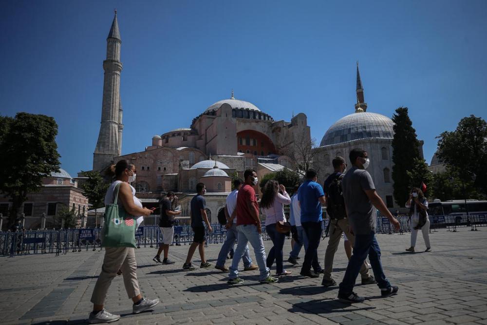 Ayasofya'ya ibadet yolu açıldı! Vatandaşlar akın etti 9