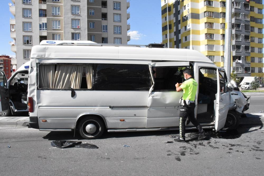 Mesaiden dönüyorlardı! İşçi servisinde bulunan çok sayıda kişi yaralandı 6