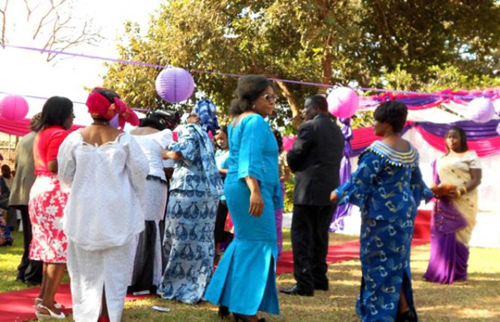 Akılalmaz gelenek! Gelin ve damat düğünün ortasında ilişkiye giriyor 7