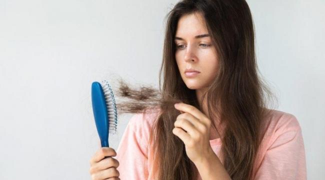 Saç dökülmesinin ardında ciddi tehlikeler olabilir! 1