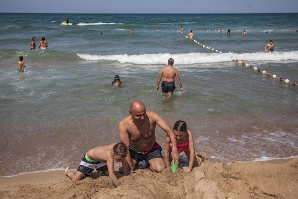 Şile plajları doldu taştı! Vatandaşlara sosyal mesafe ve maske uyarısı yapıldı 12
