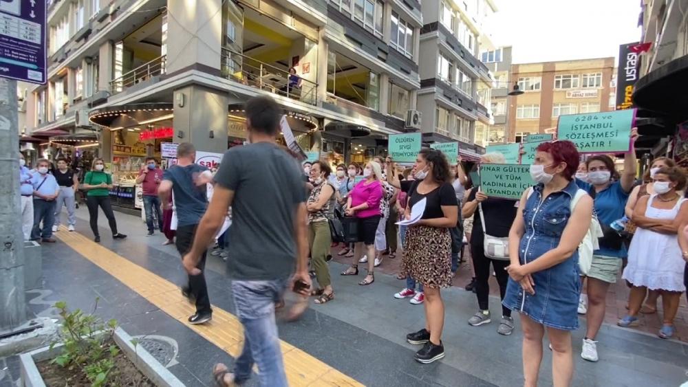 Pınar Gültekin cinayetini protesto eden kadınlara laf atan adama vatandaşlardan tepki 3