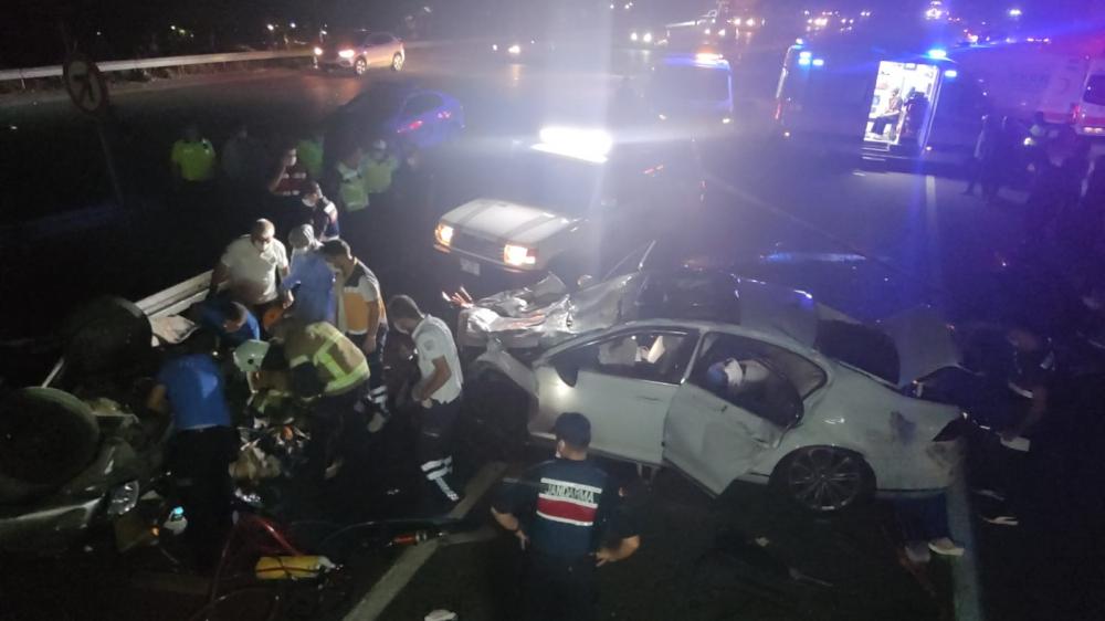 Bursa'da can pazarı! Korkunç kazada 4 kişi öldü, 6 kişi yaralandı 1