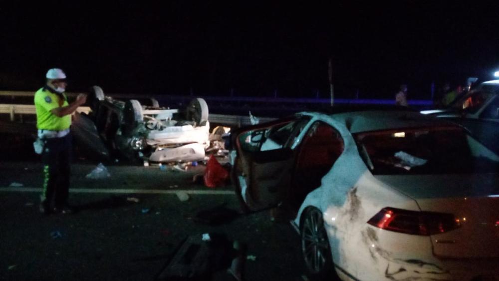 Bursa'da can pazarı! Korkunç kazada 4 kişi öldü, 6 kişi yaralandı 10