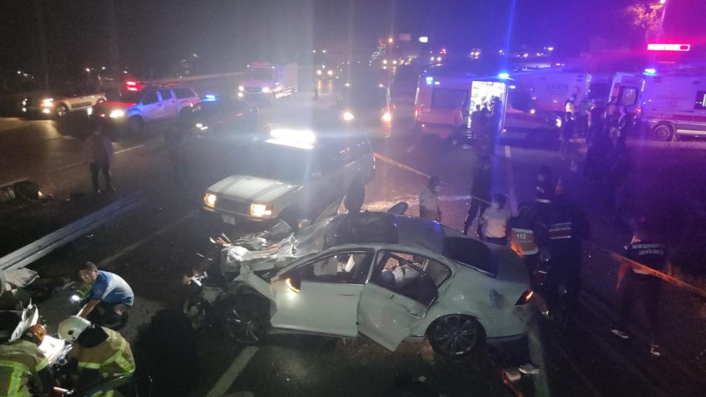 Bursa'da can pazarı! Korkunç kazada 4 kişi öldü, 6 kişi yaralandı 6