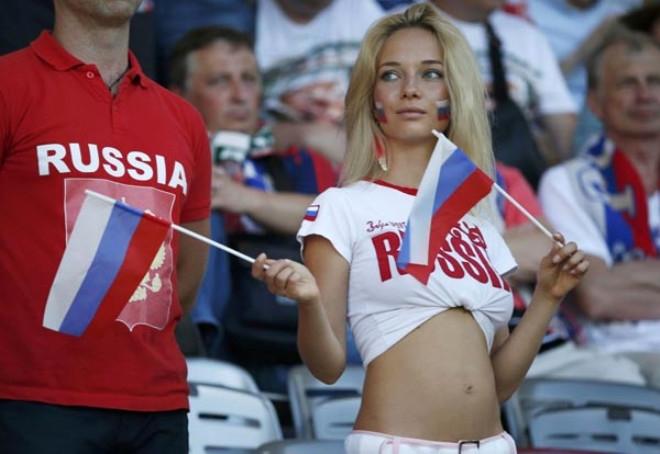 İngiliz yetkililer futbolcuları Rus kadınları için uyardı! 1