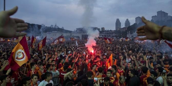 Galatasaray 2017- 2018 Yılı şampiyonu oldu, taraftarlar sabaha kadar uyumadı