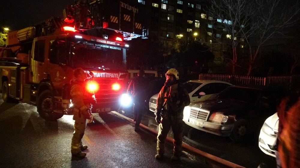 İstanbul'da korkunç olay! Kız arkadaşının ellerini bağlayıp daireyi ateşe verdi 1