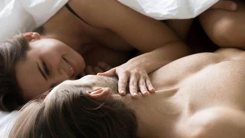 Koronavirüs sürecinde cinsel ilişkilerle ilgili yeni yönerge: Öpüşmeyin, prezervatif kullanın 1