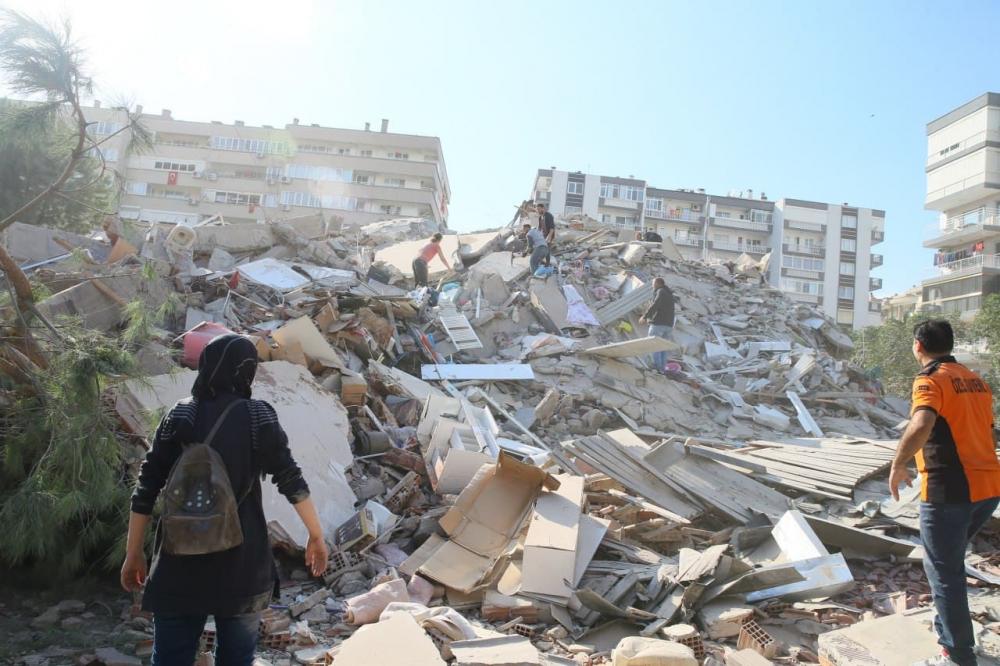 İzmir beşik gibi sallanıyor: Bölgedeki deprem fırtınası durulmuyor! 1