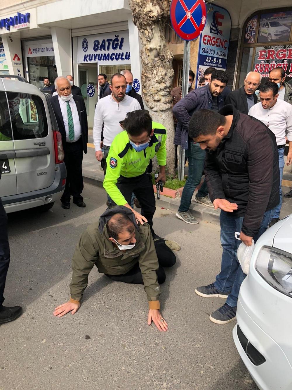 Siirt'te çıkan silahlı kavgada 3 ölü! Saldırgan ekipler tarafından yakalandı 1