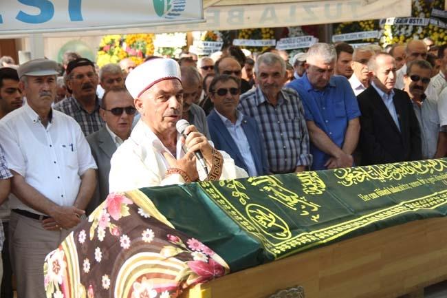 Halit Temiz Annesi Sultan Temiz Gözyaşları İçinde Toprağa Verildi 17