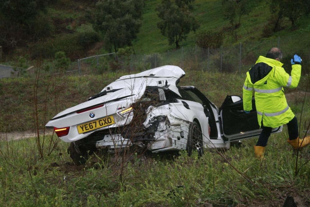 Otoyolda meydana gelen feci kazada hurdaya dönen arabanın sürücüsü sağ kurtulamadı 1