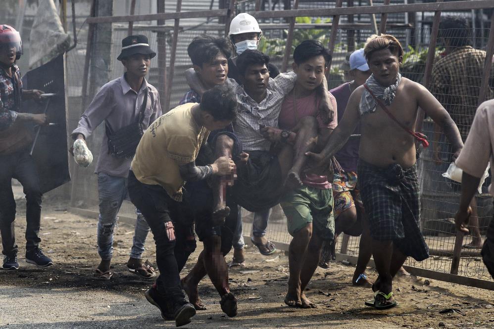 Myanmar'da katliam devam ediyor! Askeri ordu göstericilere ateş açtı: 80 ölü! 1