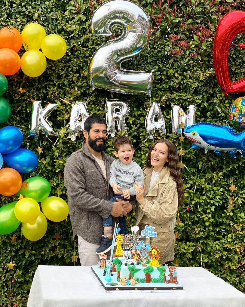 Fahriye-Burak Özçivit çifti, oğlu Karan'ın doğum gününü böyle kutladı! 1
