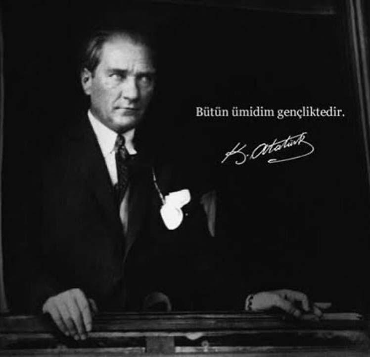 Ünlülerin, 19 Mayıs Atatürk'ü Anma Gençlik ve Spor Bayramı paylaşımları 12