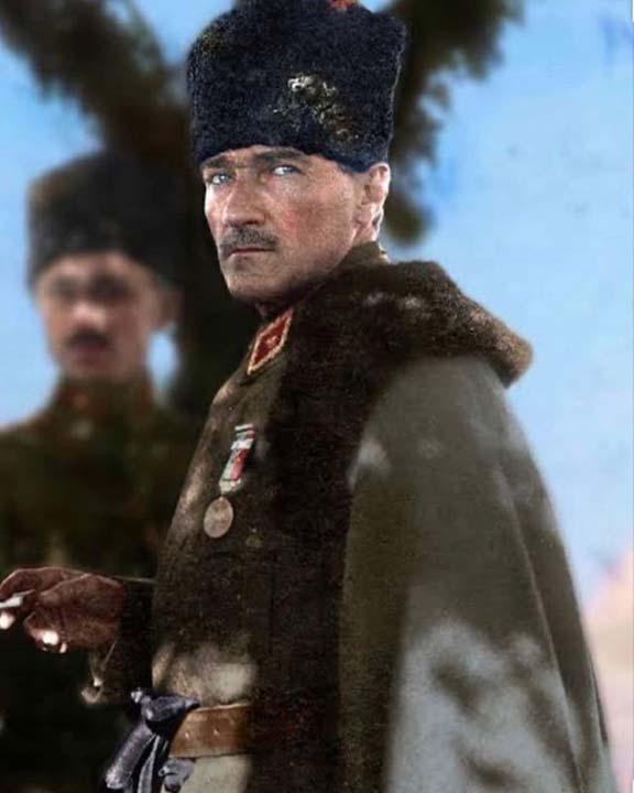 Ünlülerin, 19 Mayıs Atatürk'ü Anma Gençlik ve Spor Bayramı paylaşımları 15
