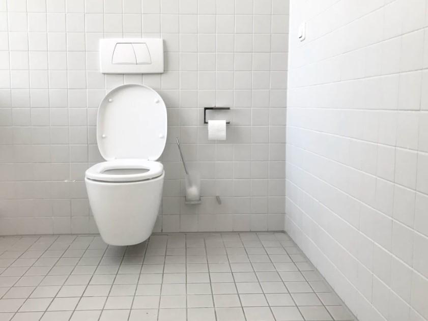 Tuvalette telefonla vakit geçirmeyi sevenlere kötü haber: Mikrop yuvası haline geliyor! 6