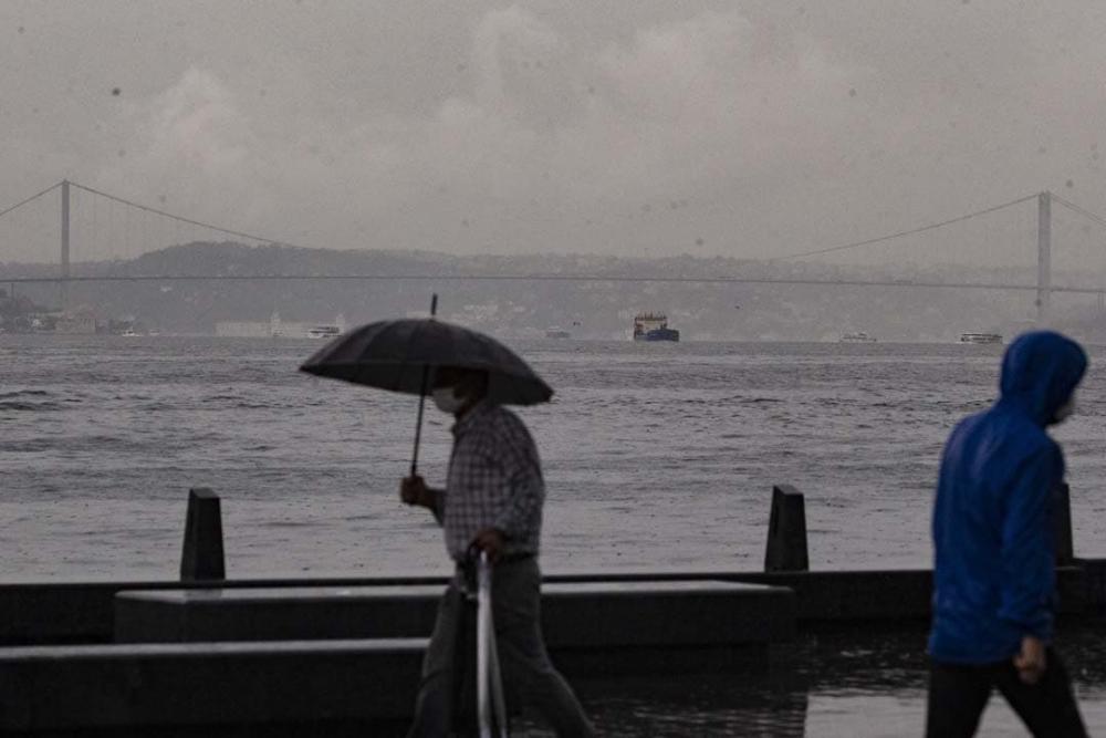Uzmanlardan uyarılar üst üste geliyor: Marmara'ya sarı kodlu uyarı! Sıcaklıklar düşecek, gök gürültülü yağmur geliyor! 1