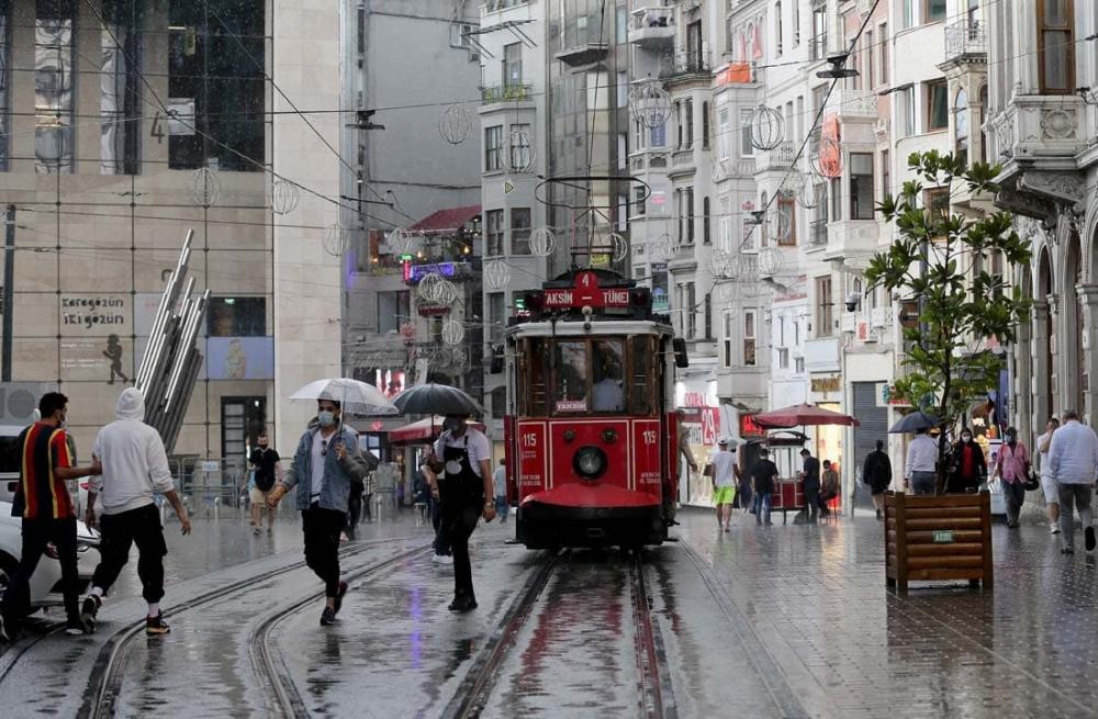 Uzmanlardan uyarılar üst üste geliyor: Marmara'ya sarı kodlu uyarı! Sıcaklıklar düşecek, gök gürültülü yağmur geliyor! 11