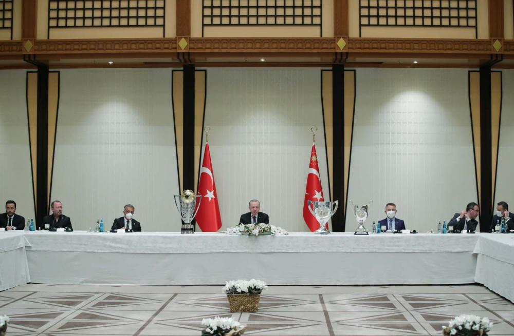 Cumhurbaşkanı Erdoğan, çifte kupalı şampiyon Beşiktaş'ı kabul etti! İşte kabulden fotoğraflar... 13