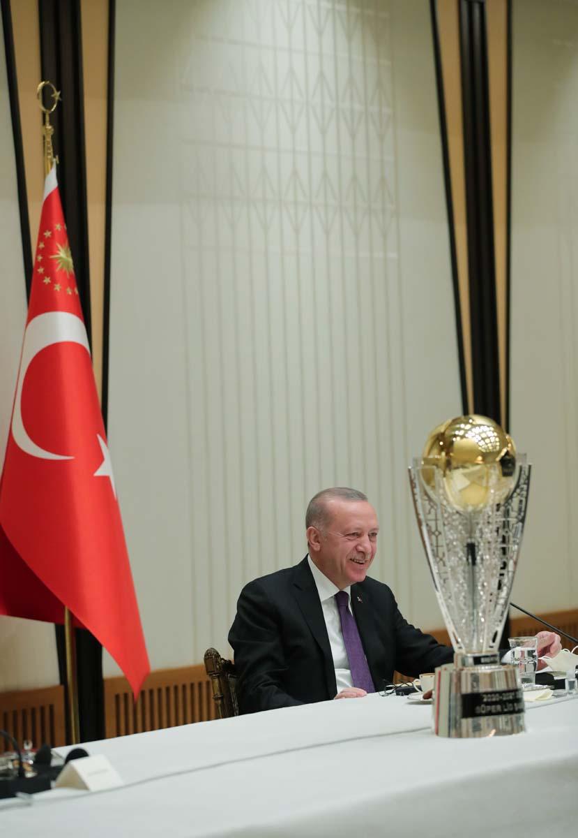 Cumhurbaşkanı Erdoğan, çifte kupalı şampiyon Beşiktaş'ı kabul etti! İşte kabulden fotoğraflar... 15