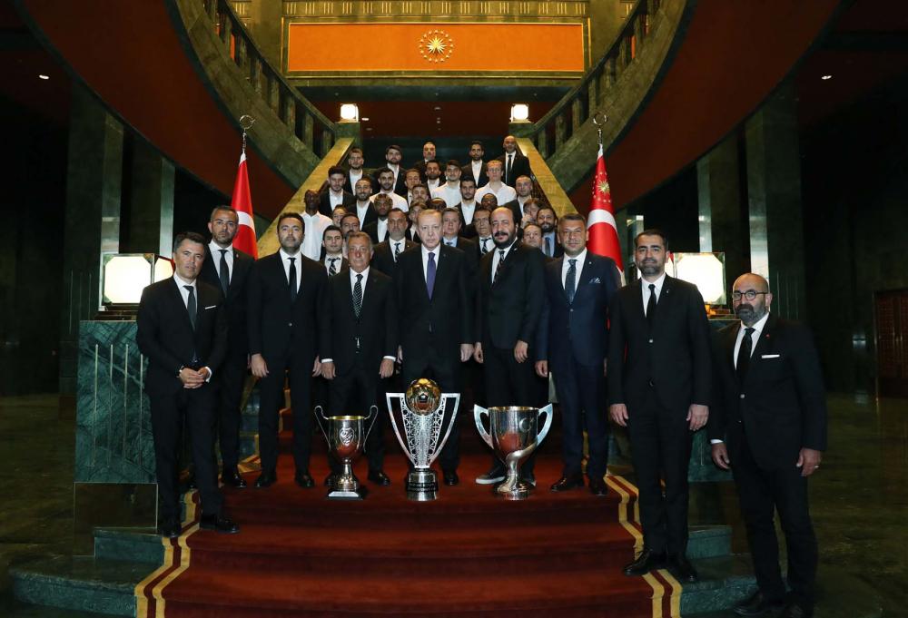 Cumhurbaşkanı Erdoğan, çifte kupalı şampiyon Beşiktaş'ı kabul etti! İşte kabulden fotoğraflar... 20