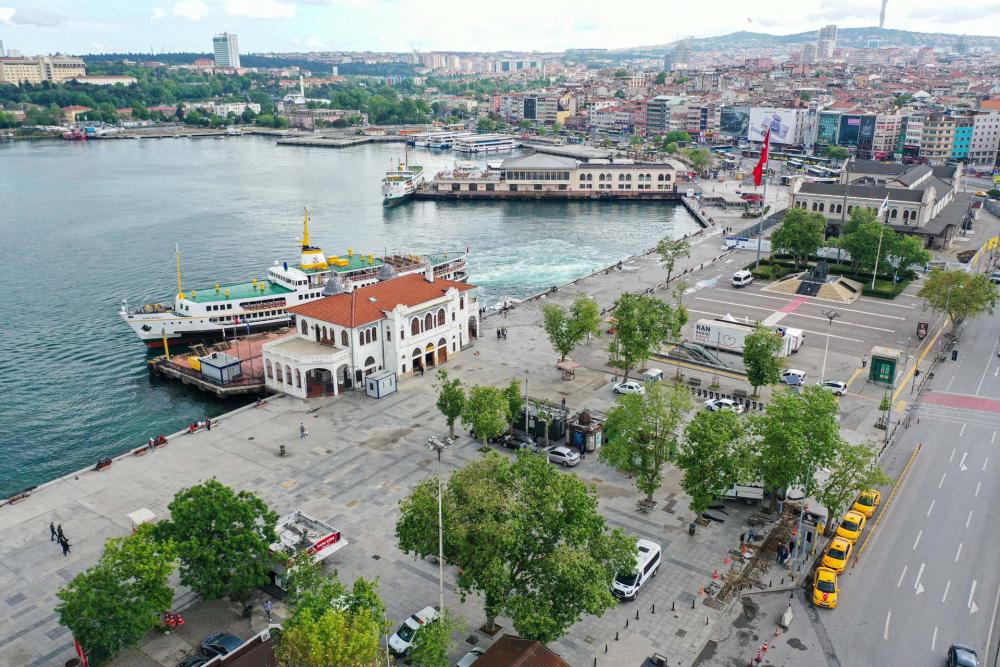 Sokağa çıkma kısıtlamasında Kadıköy Meydanına sessizlik çöktü! 6