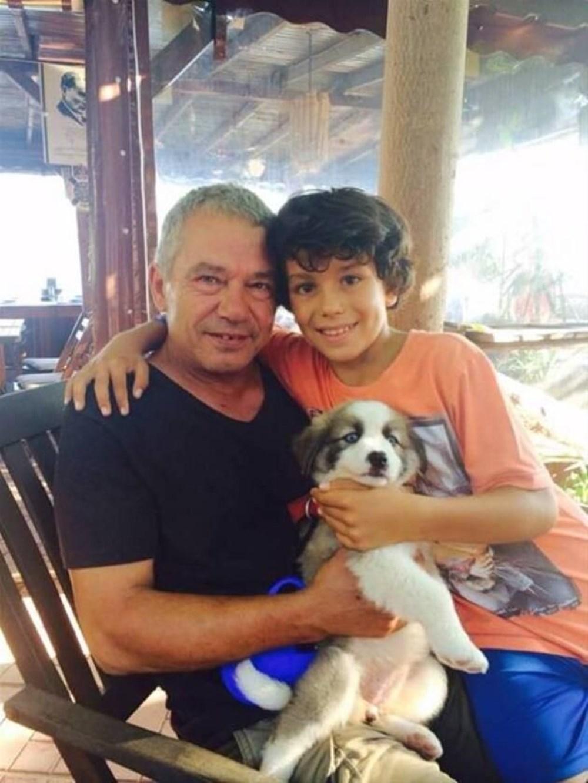 Yeşilçam'ı hayali için bırakan yakışıklı oyuncu Sertan Acar'ın yıllar içindeki değişimi! 8