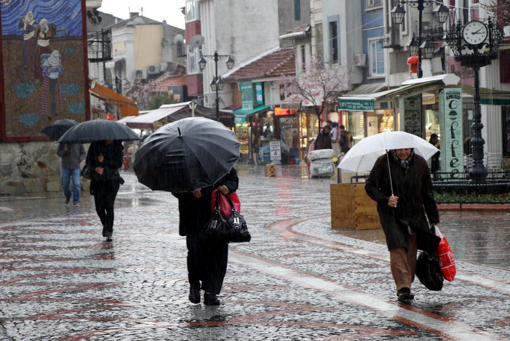 Prof. Dr. Orhan Şen'den yeni hafta ile ilgili kritik uyarı! Aşırı sıcaklık ve sağanak yağışlara dikkat 17