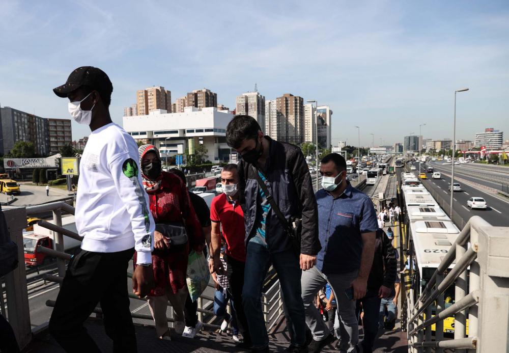 Sokağa çıkma kısıtlaması bitti, İstanbullular İstiklal Caddesine akın etti 8