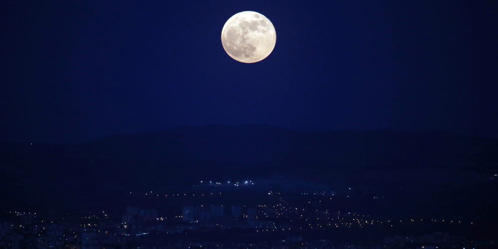 'Süper Ay' İstanbul ve Ankara'dan böyle görüntülendi! 1