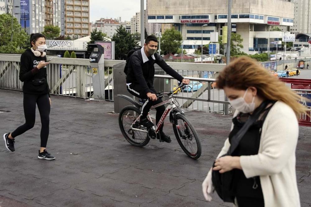 Prof. Dr. Serap Şimşek Yavuz cevapladı: Maskeleri çıkaracağımız tarih belli oldu! Kurtuluş yakındır! 2