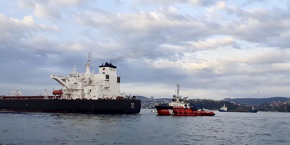 Ham petrol taşıyan tanker kıyıya sürüklendi! Boğaz, çift yönlü olarak gemi trafiğine kapatıldı 4