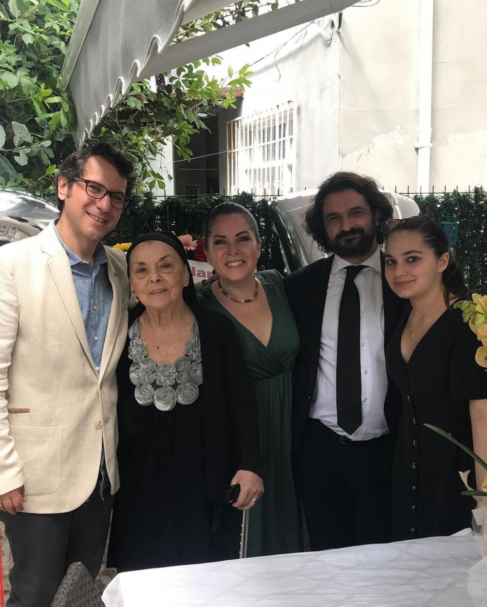 Sevinç Erbulak'tan müjdeli haber: Volkan Cengen ile evleniyor! 2