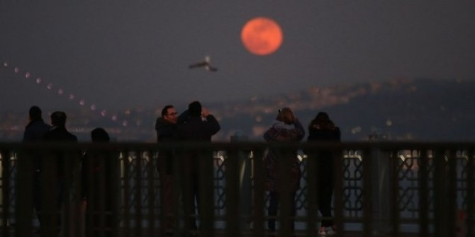 Korkutan iddia; 'Kanlı Ay' tutulması depremin habercisi mi?