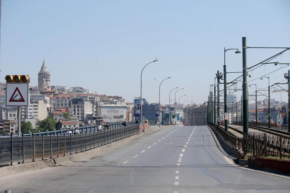 Dün insan kaynıyordu, bugün kimse yok! İşte sokağa çıkma kısıtlamasında İstanbul'dan fotoğraflar 13
