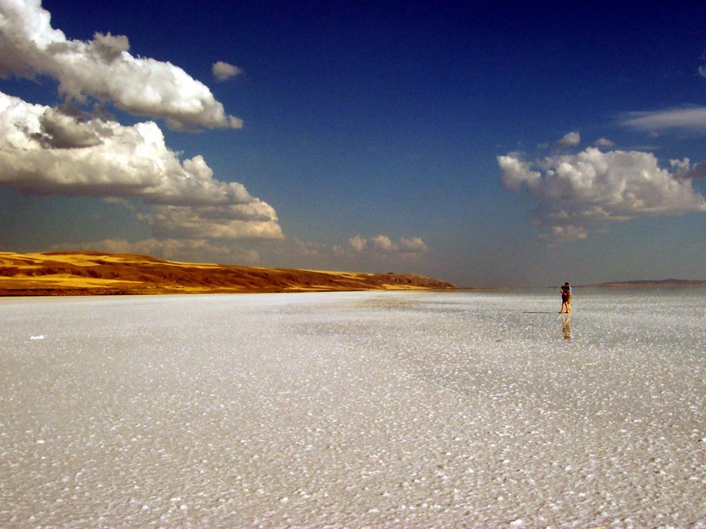Tuz Gölü'nde kuraklık alarmı! 1 kilometrelik çekilme meydana geldi 12