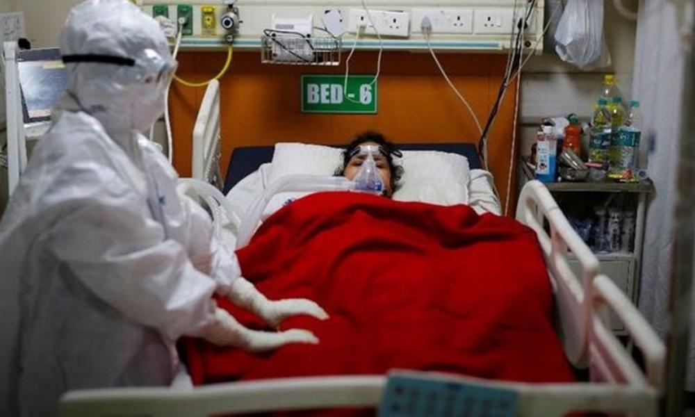 Yüzlerce hastada görüldü! Koronavirüste yeni belirtiler: İşitme kaybı, kangren, mide rahatsızlıkları... 21