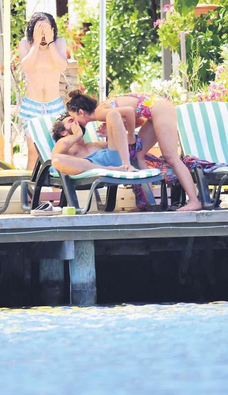 Set aşkı gerçek oldu: Pınar Deniz ve Yiğit Kirazcı aşk yaşıyor! Dudak dudağa görüntülendiler 5