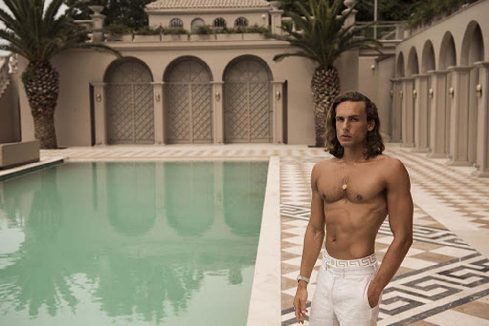Ünlü yönetmen Sinan Çetin'in oğlu Rafael Cemo'dan çırılçıplak poz! 4