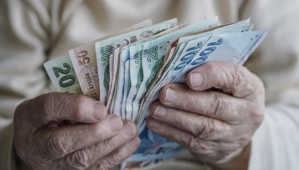 Emeklilere müjde! Promosyon zamanı geldi... Bankalar adeta birbirleriyle yarışıyor, 1750 TL'ye kadar çıkıyor! Hangi banka ne kadar promosyon verecek? 8
